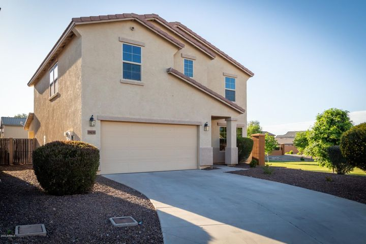 38036 N BEVERLY Avenue, San Tan Valley, AZ 85140