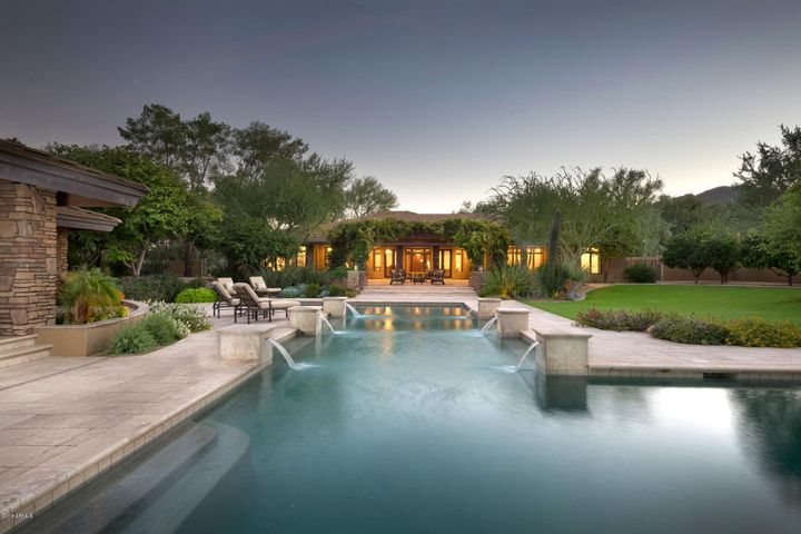 Such a spectacular pool! One of the largest I've seen at any luxury home!