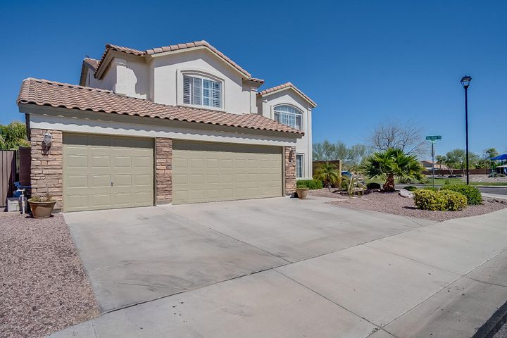 31657 N Blackfoot Drive, Queen Creek, AZ 85143