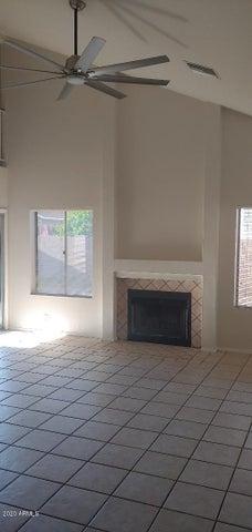 6350 W LAWRENCE Lane, Glendale, AZ 85302
