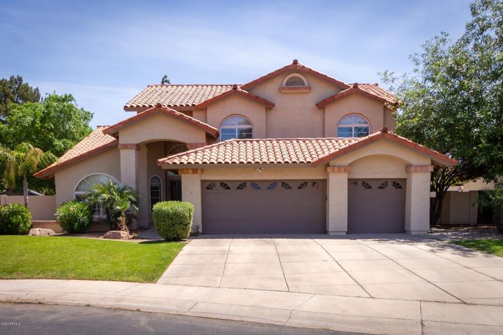 735 N YUCCA Street, Chandler, AZ 85224