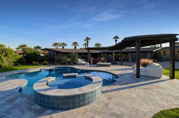 510 E FAIRWAY Drive, Litchfield Park, AZ 85340