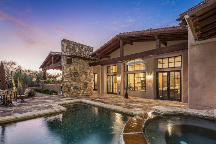 8427 E HOMESTEAD Circle, Scottsdale, AZ 85266