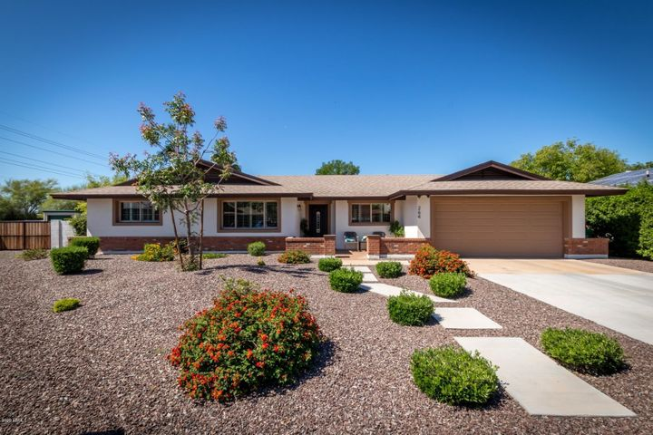 264 S CASCADA Circle S, Litchfield Park, AZ 85340