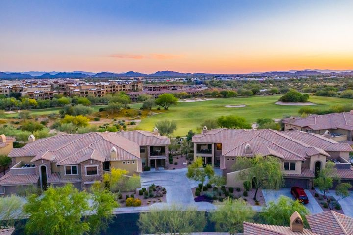 Enjoy golf course, mountain and sunset views!