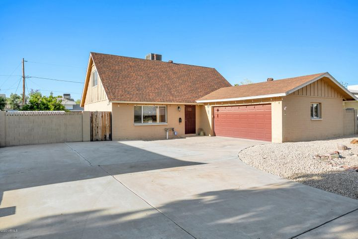 110 E Riviera Drive, Tempe, AZ 85282