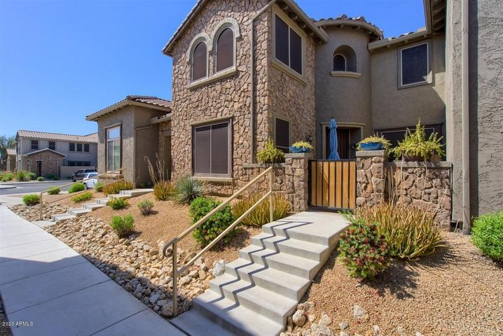 21833 N 39TH Street, Phoenix, AZ 85050