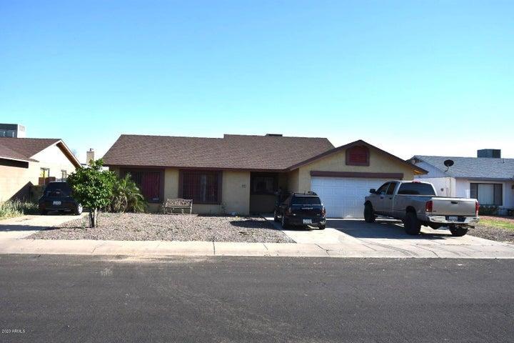 7325 W DENTON Lane, Glendale, AZ 85303