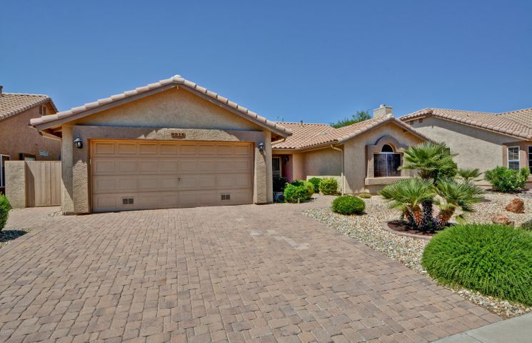 Welcome to this awesome home sitting on a larger lot with N/S exposure in Fairway Views