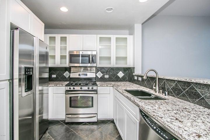 17 W VERNON Avenue, 605, Phoenix, AZ 85003