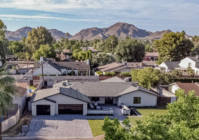 324 W ROYAL PALM Road, Phoenix, AZ 85021