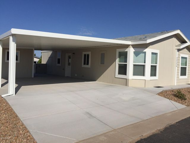 971 E TEE Street, San Tan Valley, AZ 85140