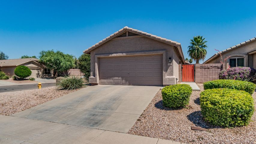 4706 E SILVERWOOD Drive, Phoenix, AZ 85048