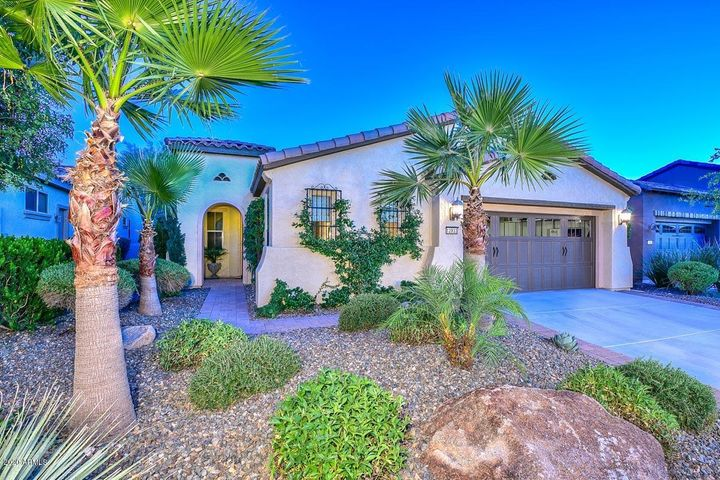 Great curb appeal on former Model Home Row, steps away from the Kiva Club