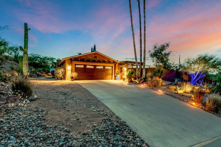 Ranch Style House 2,104 SF + Guest House on over Half Acre Lot with VIEWS