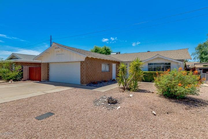 8425 E CRESTWOOD Way, Scottsdale, AZ 85250
