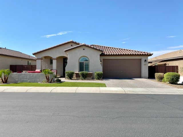 95 W HACKBERRY Avenue, San Tan Valley, AZ 85140