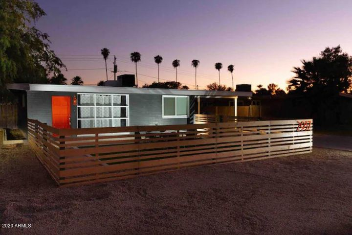 2937 E OSBORN Road, Phoenix, AZ 85016
