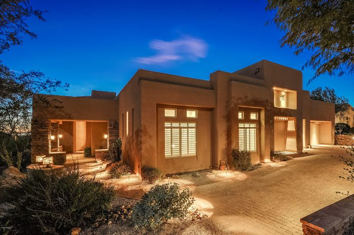 Welcome to Hidden Hills, a quiet neighborhood close to fantastic schools, bike paths, and hiking. AZ living at its best.