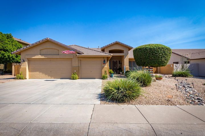 7049 W CAMPO BELLO Drive, Glendale, AZ 85308