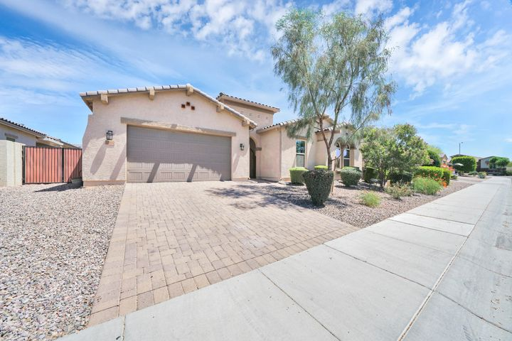 10032 W SPUR Drive, Peoria, AZ 85383