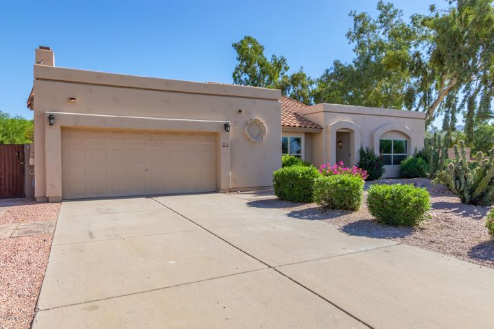 9590 E LARKSPUR Drive, Scottsdale, AZ 85260