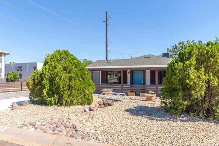 3545 E CHEERY LYNN Road, Phoenix, AZ 85018