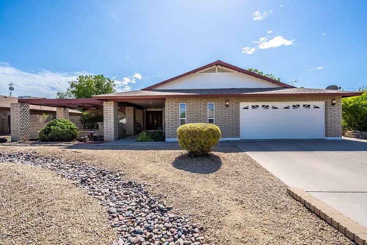 Front of home desert landscaping- Have you seen the 360 virtual tour?