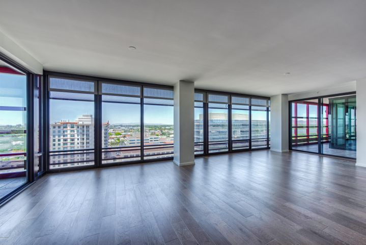 Incomparable direct views of Downtown Phoenix!
