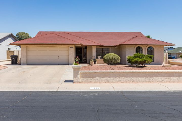 902 W LODGE Drive, Tempe, AZ 85283