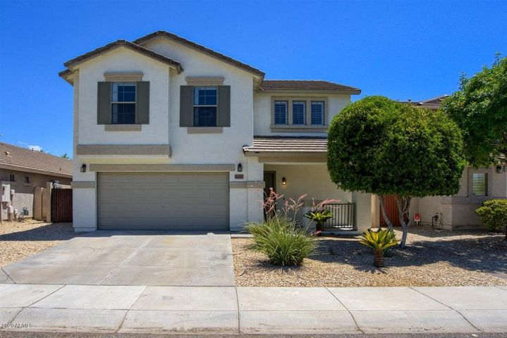 Located in the desirable Eagle Preserve/Preserve at Boulder Mountain community w/ mountain views! N/S facing home in Cul-de-sac lot w/ no neighbors behind/backs to common area! Close to parks, recreational areas, hiking trails & more !!