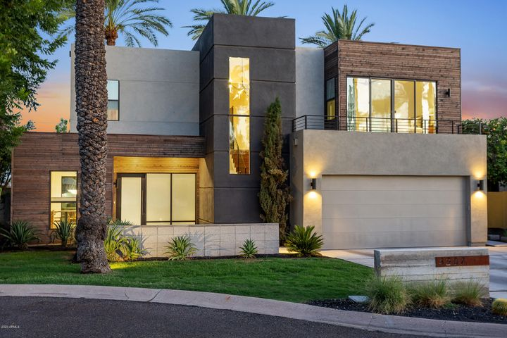 4207 E MONTECITO Avenue, Phoenix, AZ 85018