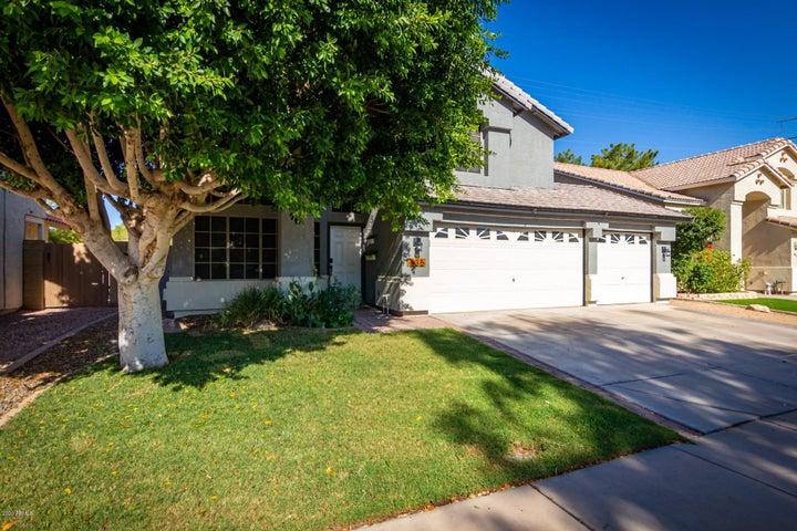 835 N PEPPERTREE Drive, Gilbert, AZ 85234