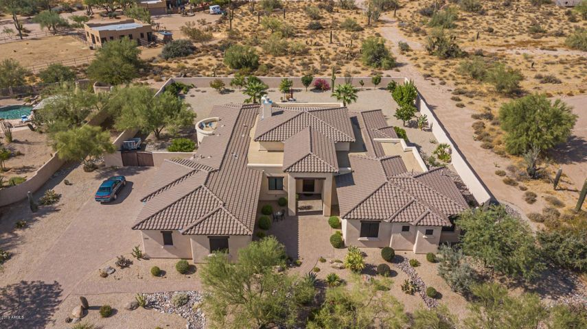 North Scottsdale IMMACULATELY KEPT HOME – IN AND OUT!! Designed by Scottsdale AZ Premier Architect, Steve Simpson of Simpson Design Associates (Model J-01)