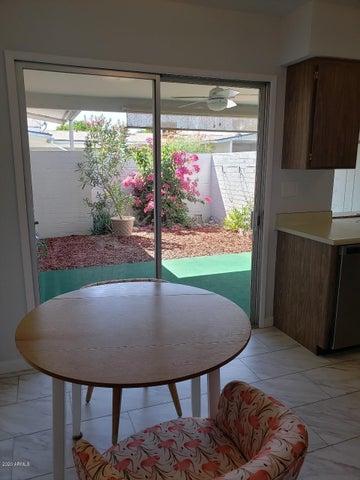 10568 W COGGINS Drive, Sun City, AZ 85351