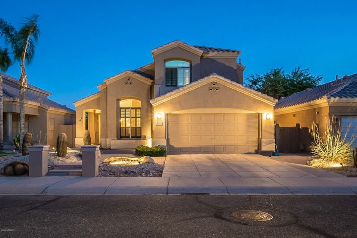 8095 E MICHELLE Drive, Scottsdale, AZ 85255