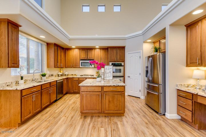 Fabulous Gourmet Kitchen!