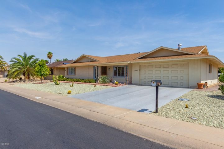 13202 W GAUCHO Drive, Sun City West, AZ 85375