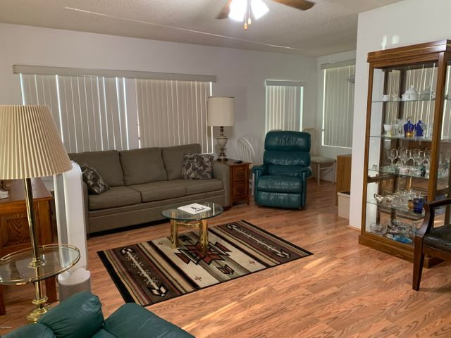 Extra large Arizona Room