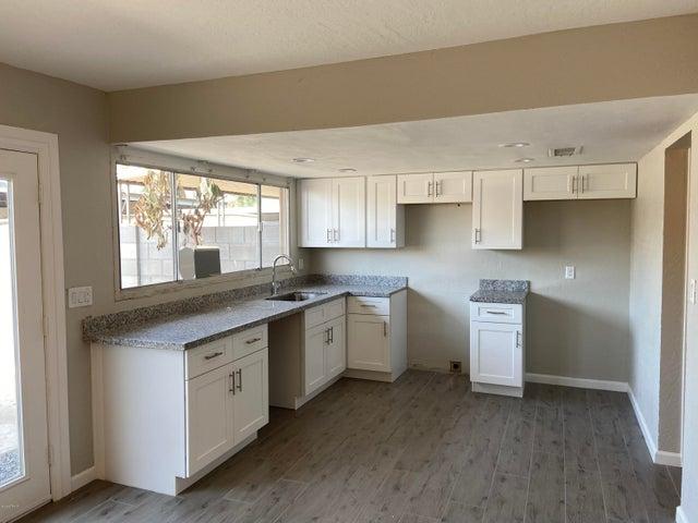 4311 W SOLANO Drive, Glendale, AZ 85301