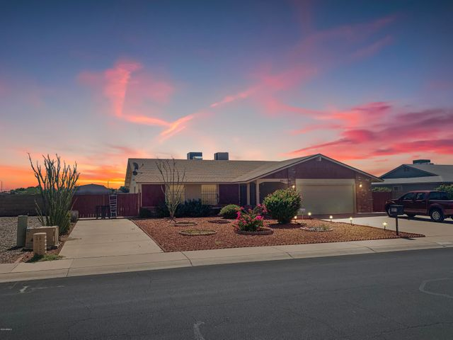 8611 N 104TH Avenue, Peoria, AZ 85345