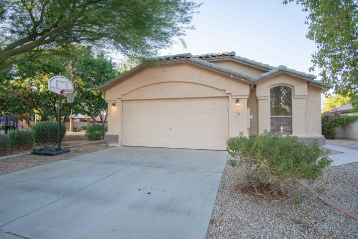1776 E PONY Lane, Gilbert, AZ 85295