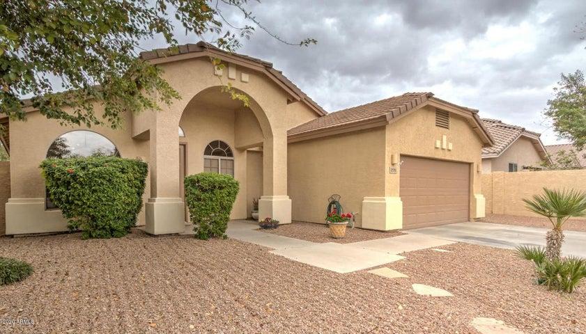 2770 E SAN TAN Street, Chandler, AZ 85225