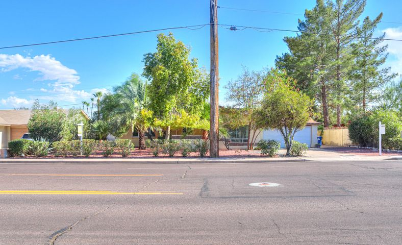 519 E MCKELLIPS Road, Tempe, AZ 85281