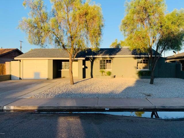 1911 N 24TH Place, Phoenix, AZ 85008