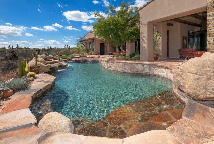 Gorgeous Pool & Spa view