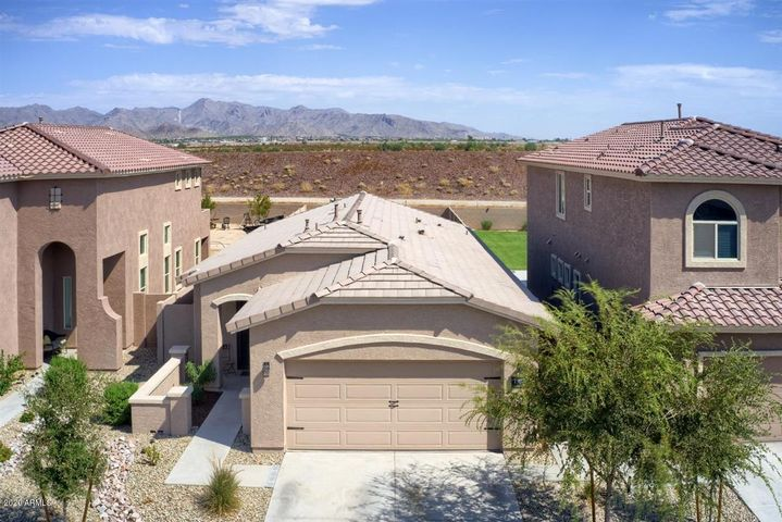 3 bedroom 2 bath home for sale in Blue Horizons community. Large backyard with plenty of space to add a pool or soccer field!
