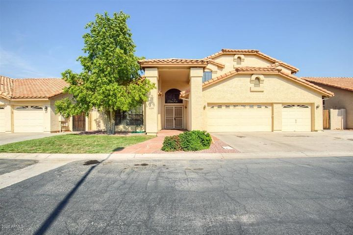 225 N HONEYSUCKLE Lane, Gilbert, AZ 85234