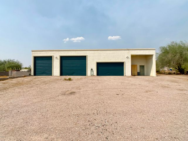 5770 E ROUNDUP Street, Apache Junction, AZ 85119