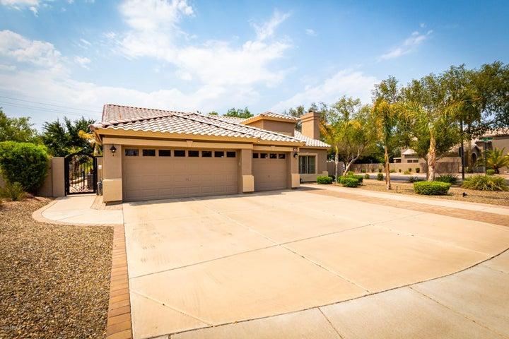 960 S SADDLE Street, Gilbert, AZ 85233